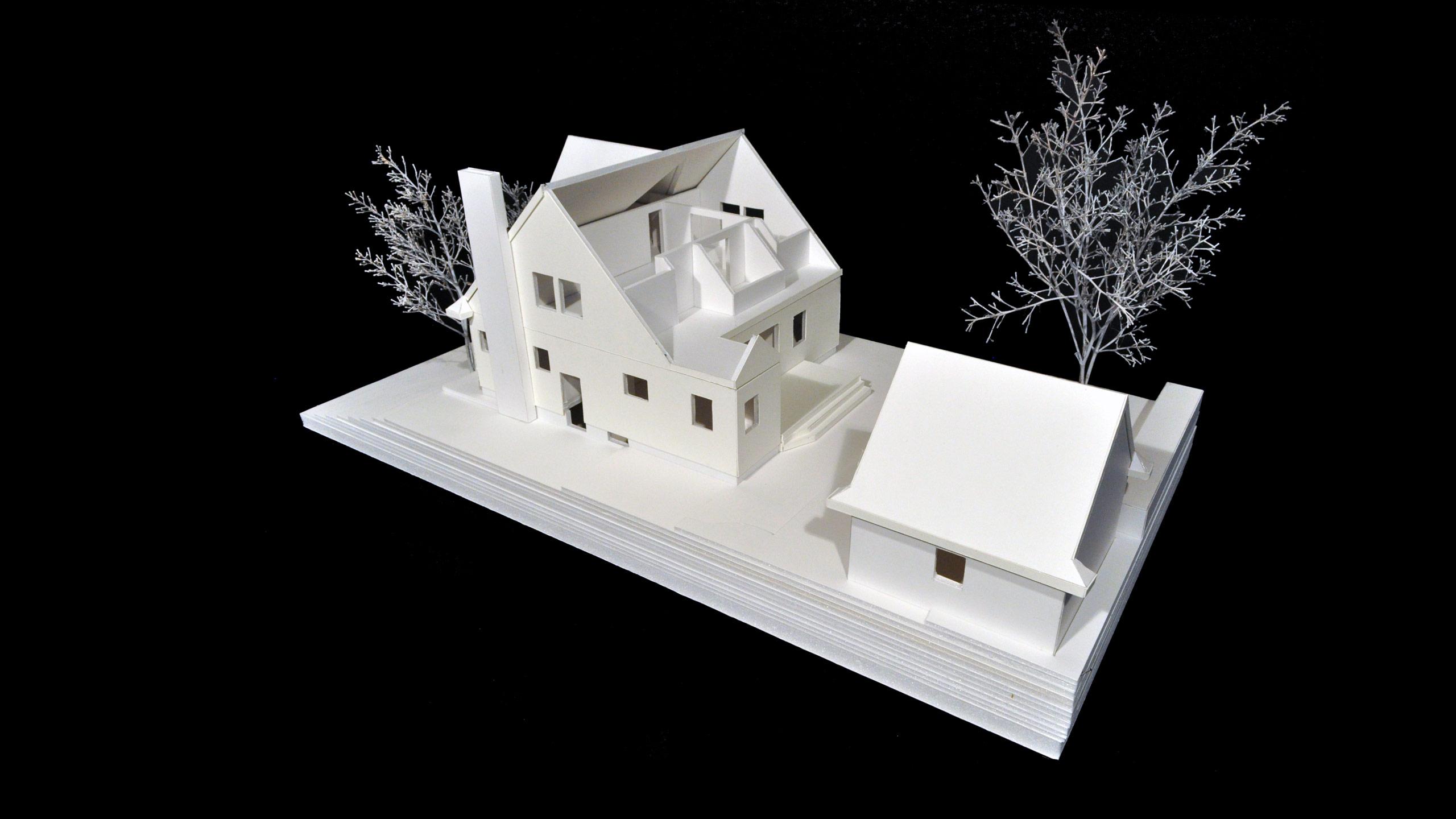 House MC image 2