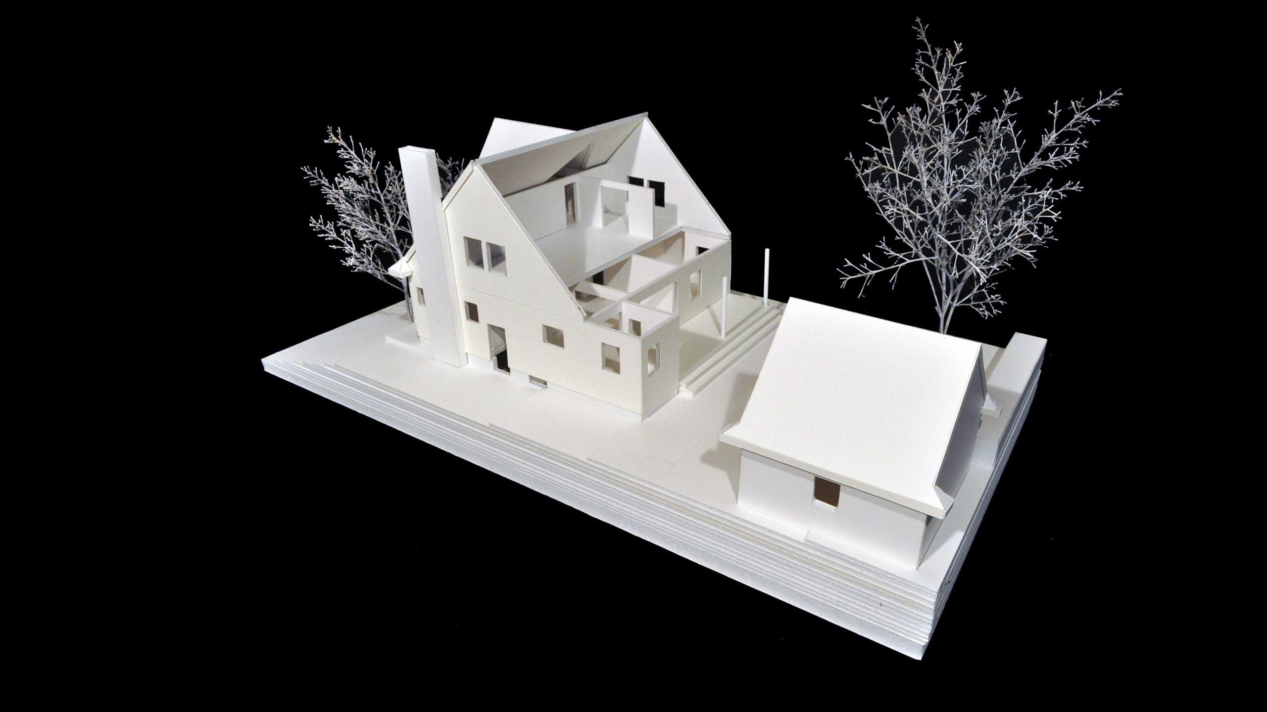 House MC image 3