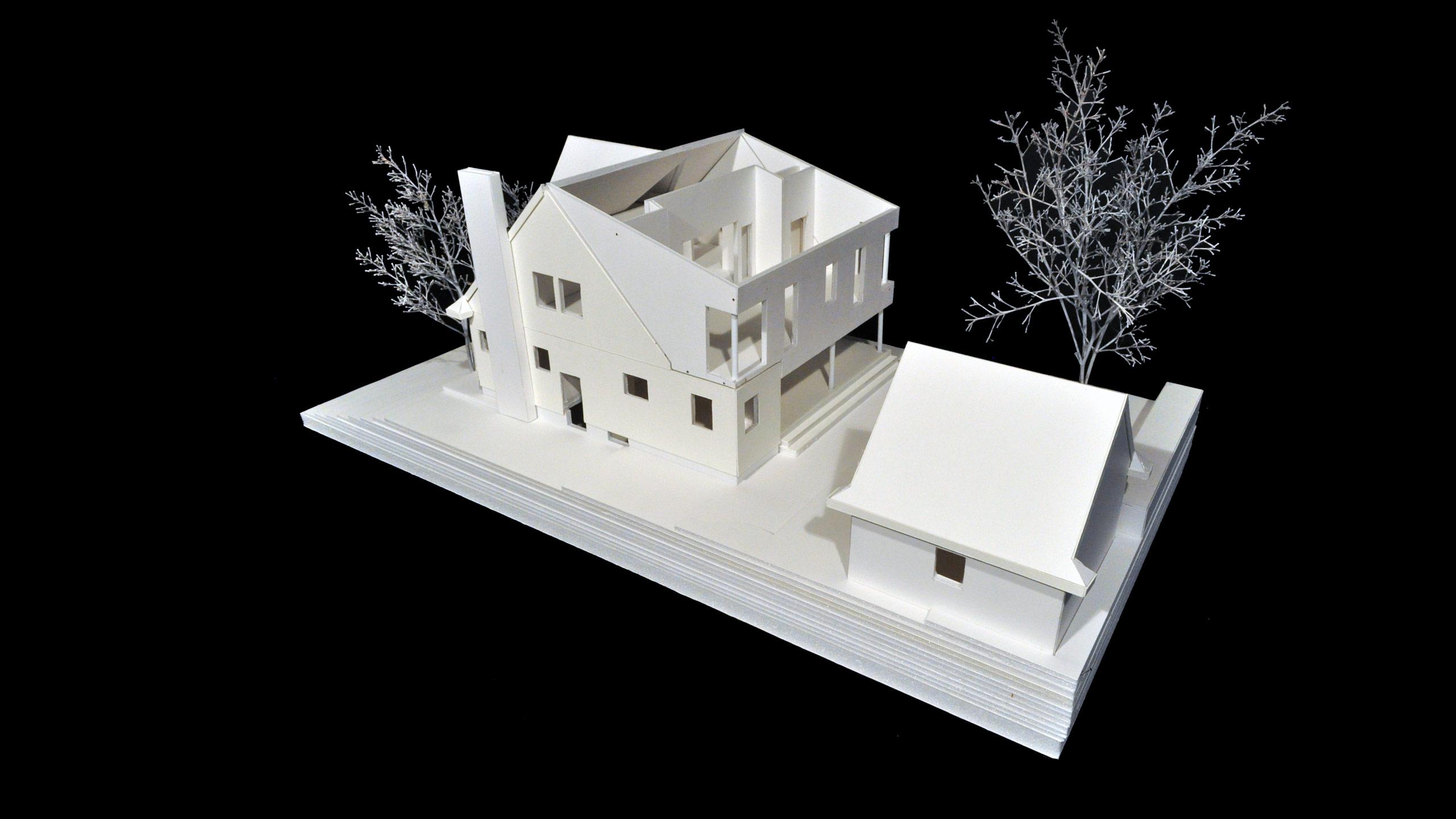 House MC image 4