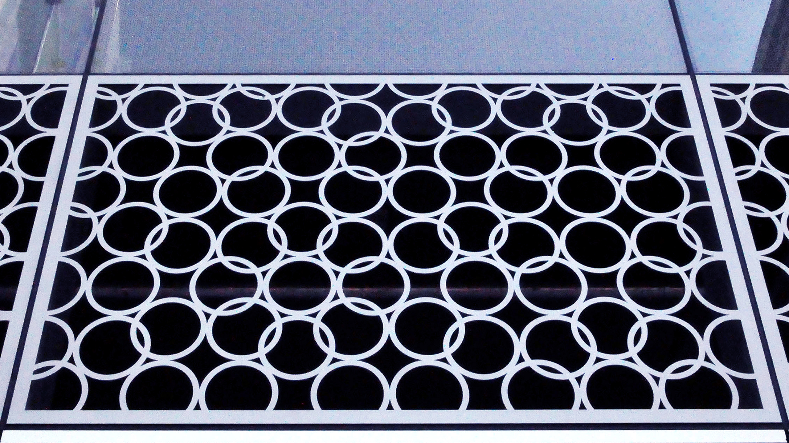 Custom Aluminum Screen / image 3