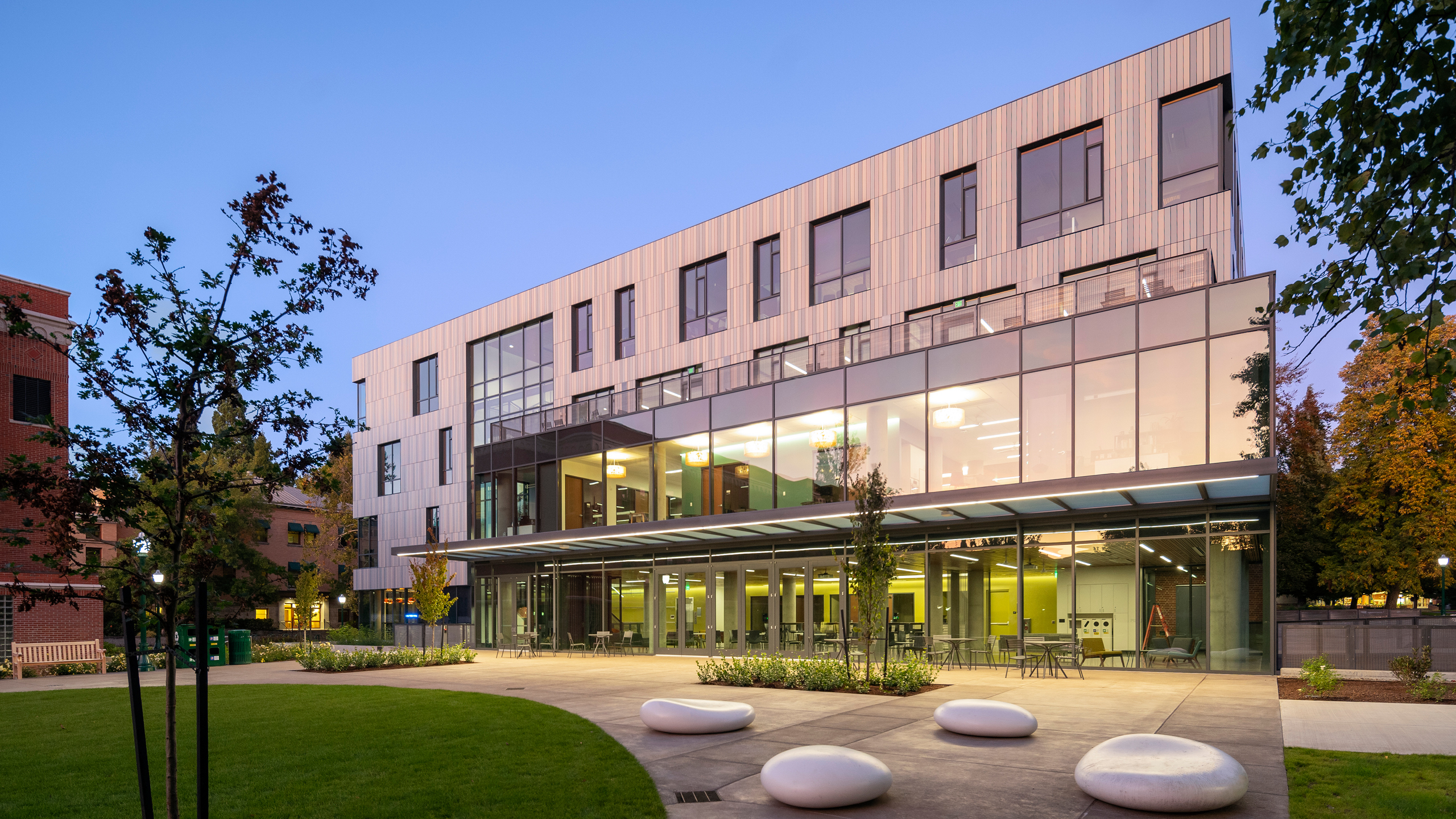Tykeson Hall at the University of Oregon / image 20