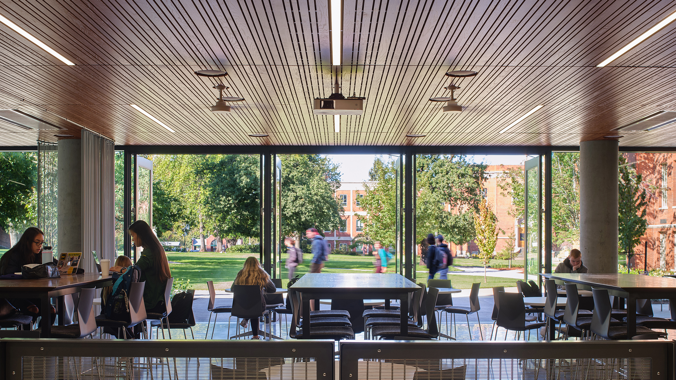 the Ellipse outdoor (Class)room and Community Gathering Space, Oregon / image 16 / the Ellipse outdoor (class)room, Tykeson Hall, The University of Oregon